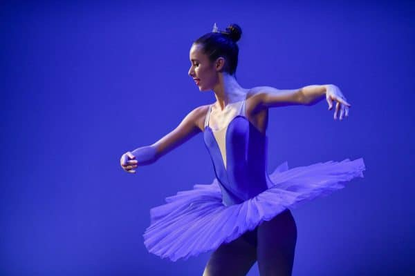 Pointe ballet dancer on stage at concert